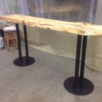 Free standing bar table